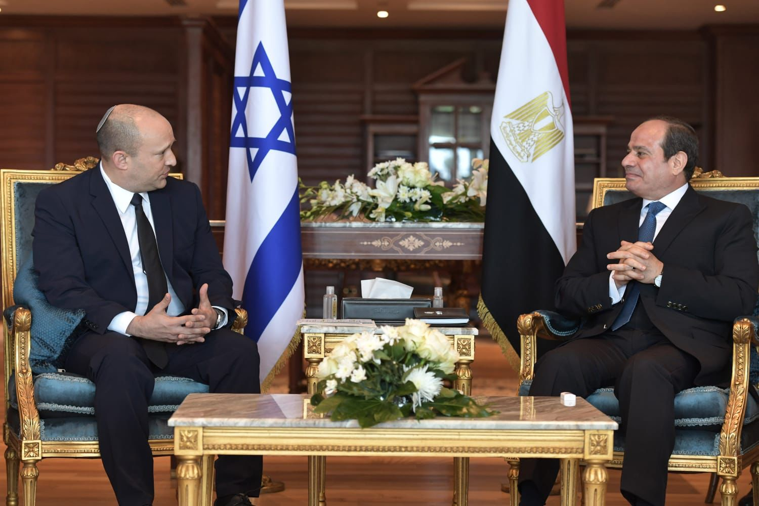 The Bennett-Sisi Meeting: A Rare Chance to Publicly Boost Relations