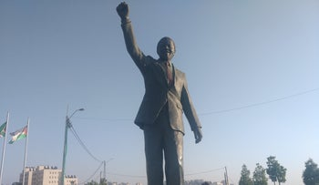 The statue of Nelson Mandela in Ramallah, which was given as a gift by the city of Johannesberg.