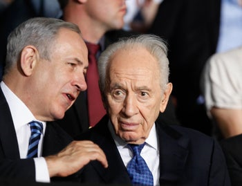 MIT database says neither Prime Minister Benjamin Netanyahu (left) nor President Shimon Peres is most famous Israeli of last century.