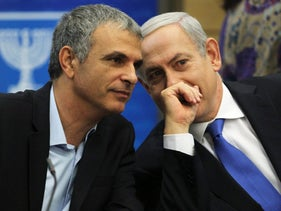 Finance Minister Moshe Kahlon, left, and Prime Minister Benjamin Netanyahu.