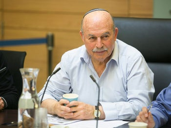 MK Nissan Slomiansky at the Knesset, 2014.