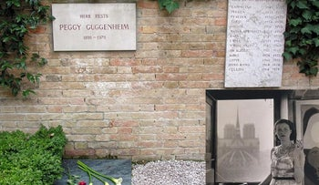 Picture of Peggy Guggenheim (bottom right) shown on backdrop of her grave, next to a plaque remembering her Lhasa Apsos.