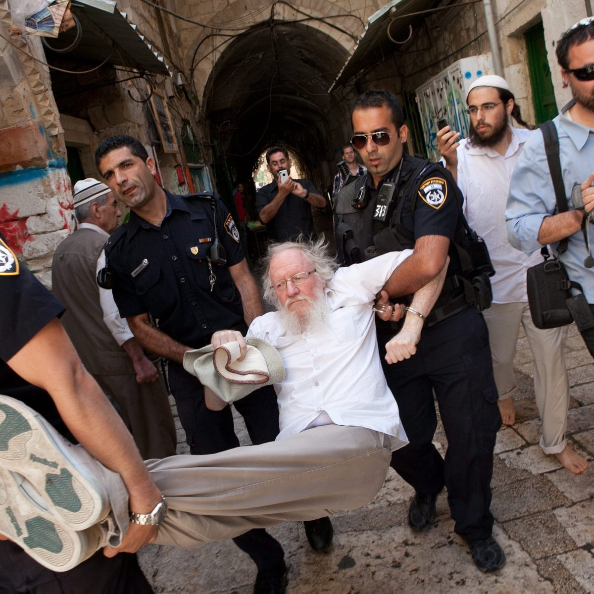 Police in Jerusalem arrest extreme right-wing activist Yehuda Etzion, a former Jewish Underground member, after he violated the ban on Jews praying on the Temple Mount.