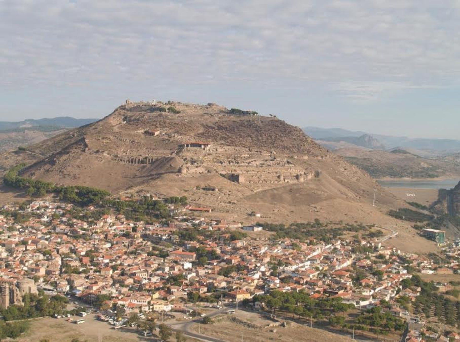 Ancient Pergamon and the modern Turkish city of Bergama: The view from the south.