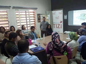 Created in August 2011 during the arab spring by a group of young apolitical Morrocans, TIZI is a civic initiative aiming at strengthening the political landscape through diversity.