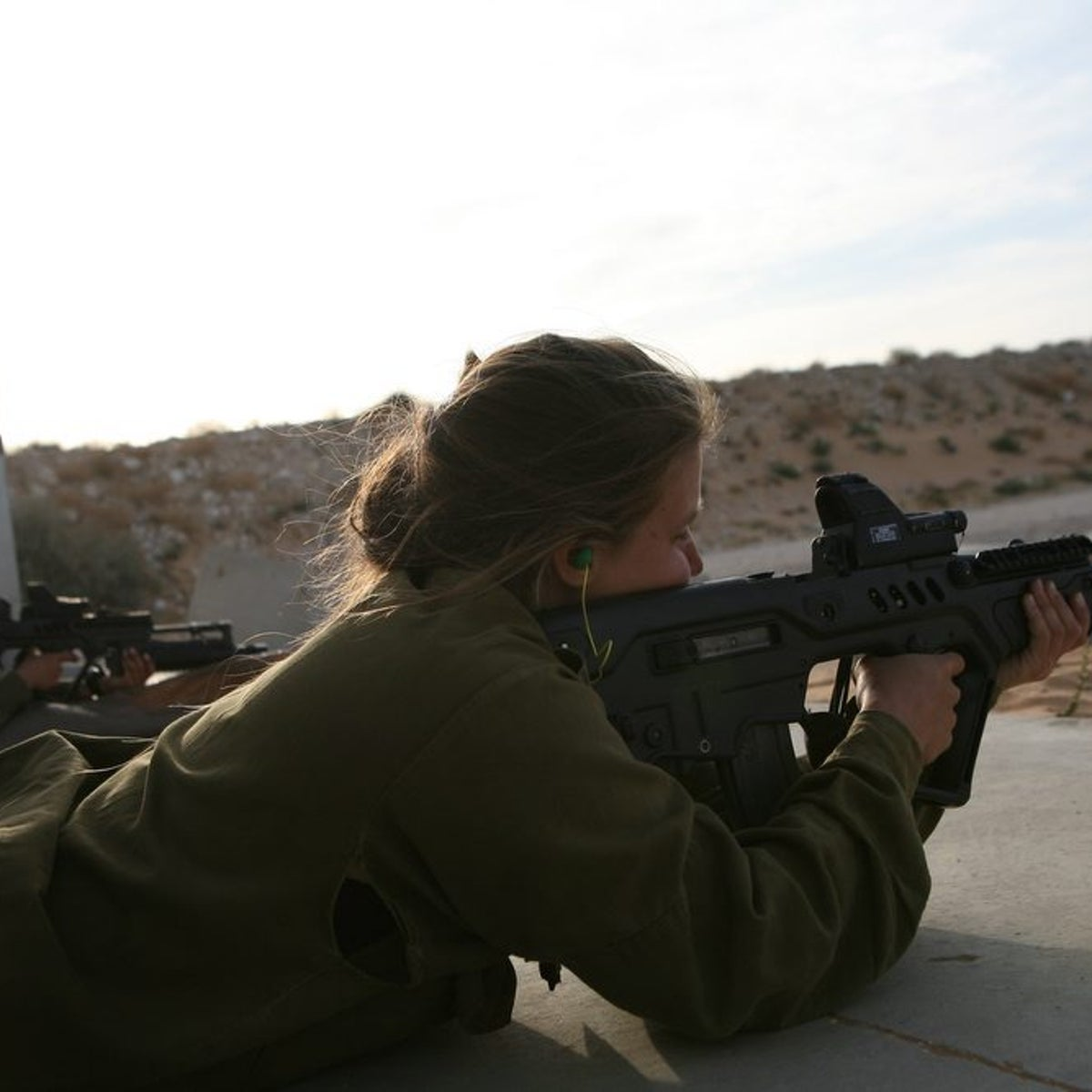 Female soldiers in the Israeli army.