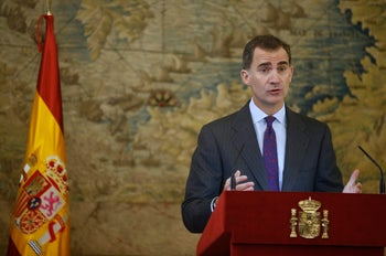 Spain's King Felipe celebrating a law through which Sephardic Jews can apply for Spanish citizenship, at the Royal Palace in Madrid, Spain November 30, 2015.