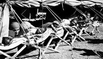 Yemenite immigrants at the Rosh Ha'ayin absorption camp in the 1950s.