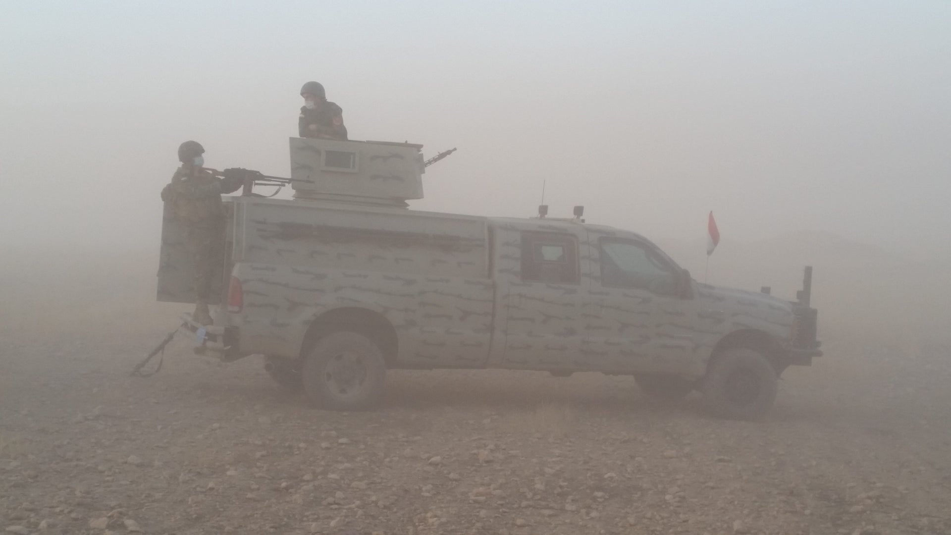 Peshmerga soldiers on the road to Mosul, October 23, 2016.