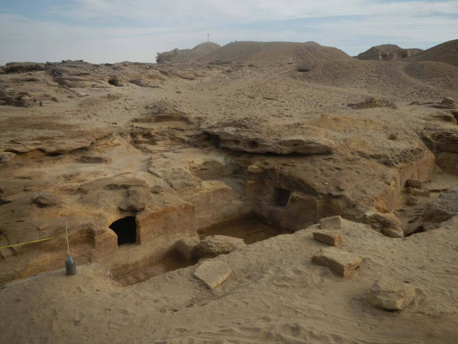 Like in the Valley of the Kings, the necropolis involves multiple entrances that link to multiple tombs, which in turn lead to crypts. Only a few dozen of the more then 55 tombs found have been excavated so far.