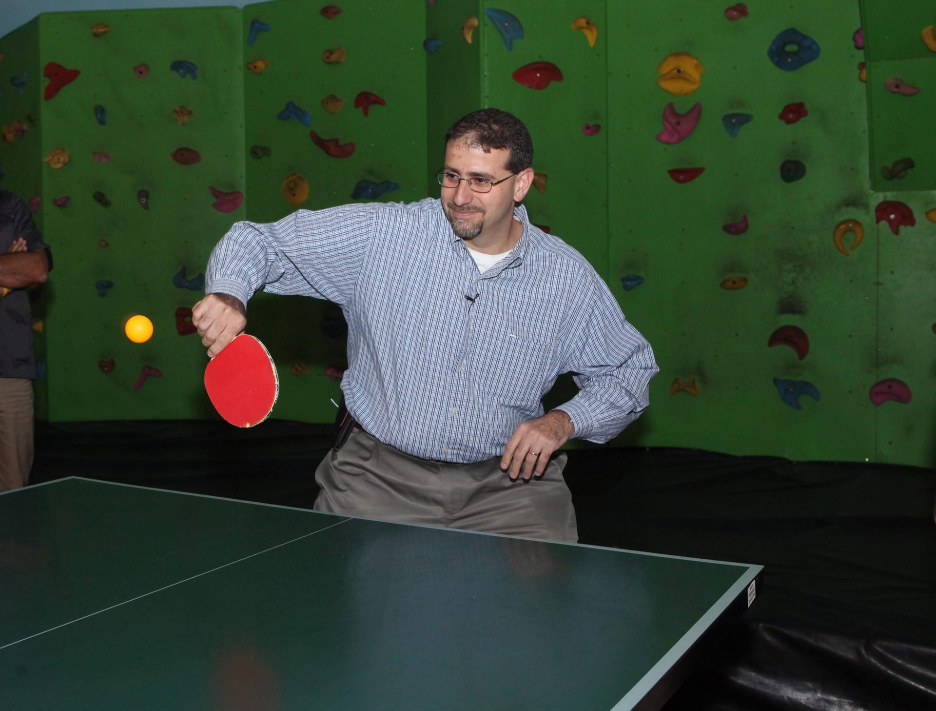 U.S. ambassador Dan Shapiro plays ping pong in Sderot in September 2012.