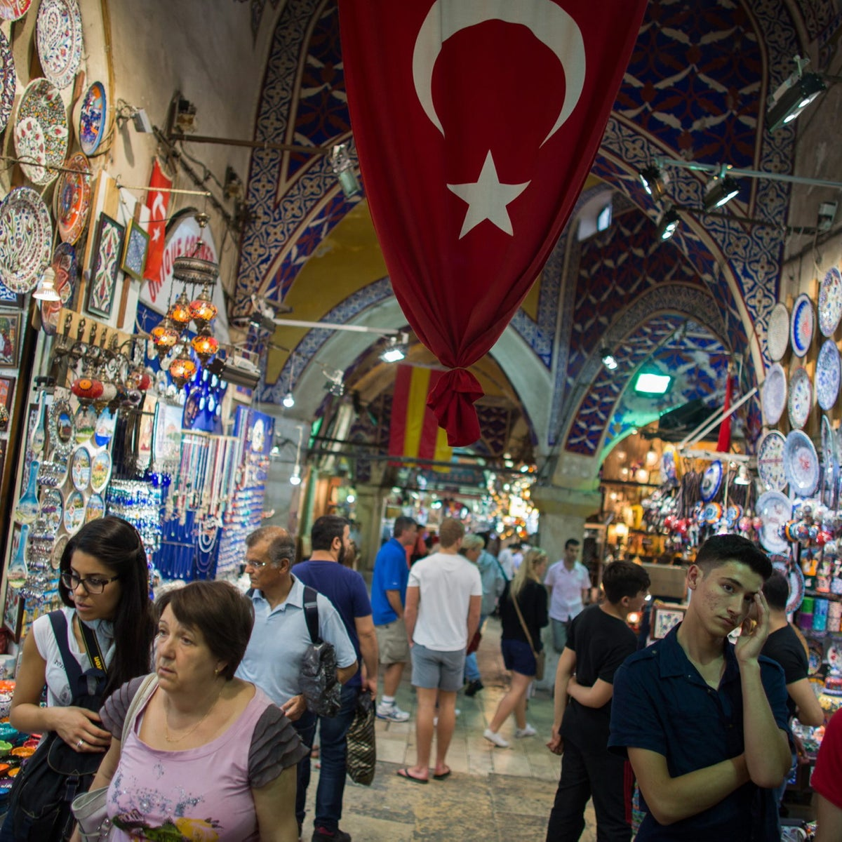 A busy market popular with tourists in Istanbul.