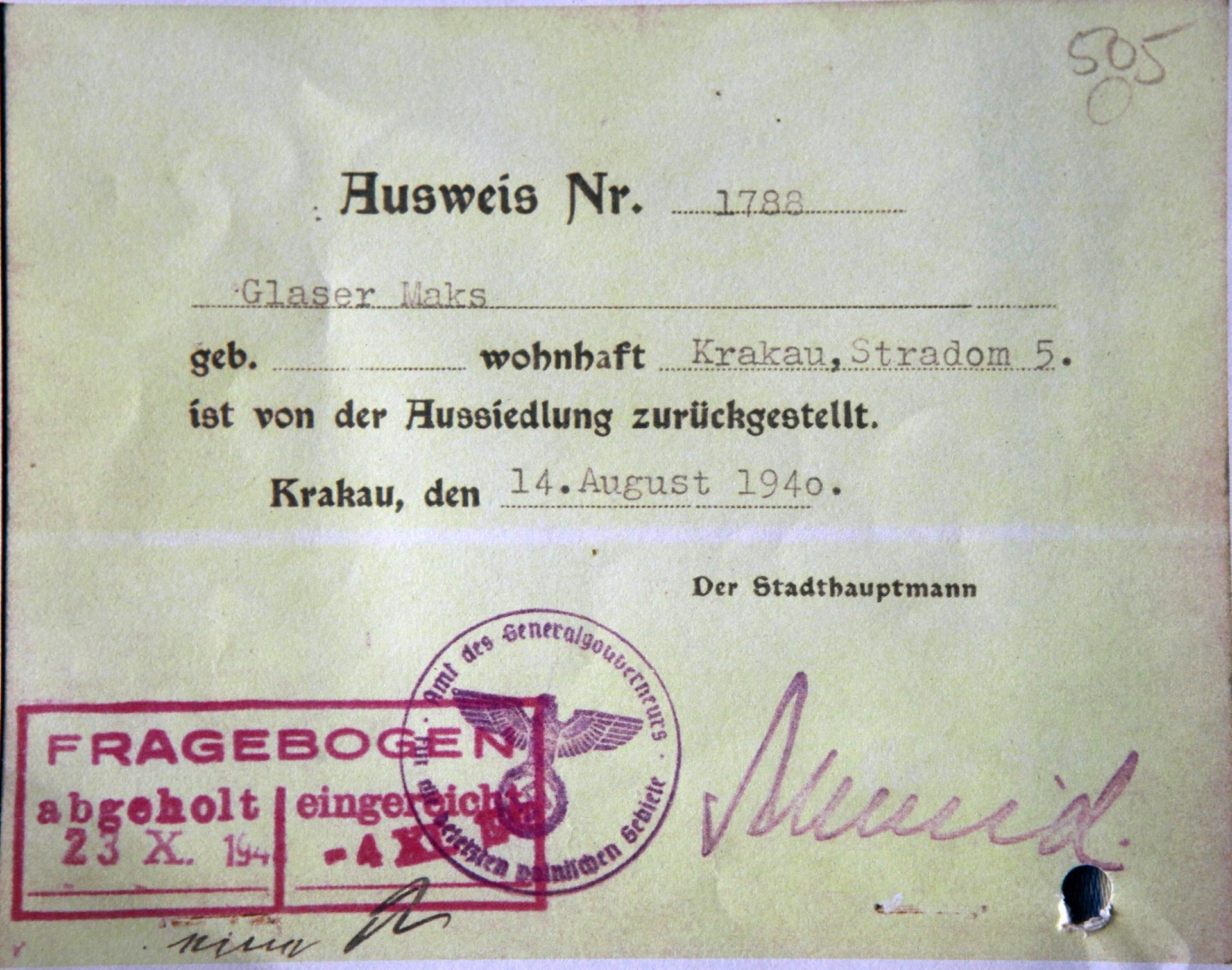 The permit allowing Yuval Yareach's grandmother and grandfather to stay in Krawkow during the Nazi occupation.