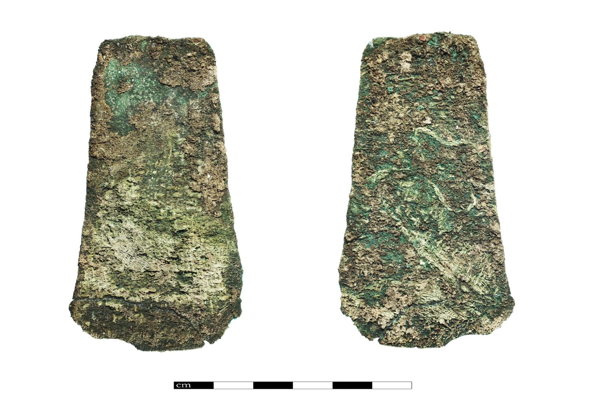 An Egyptian style razor blade found at Tel Dan (front and back).