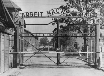 Sign at entry gate to Auschwitz.
