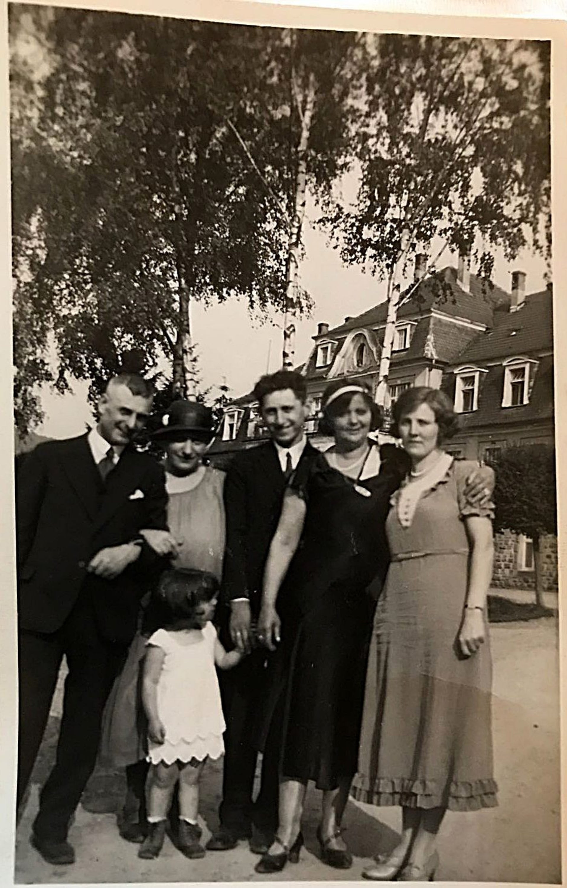 A photograph found in the possession of Karolina Cohn's relatives. Is Karolina the girl in the picture?