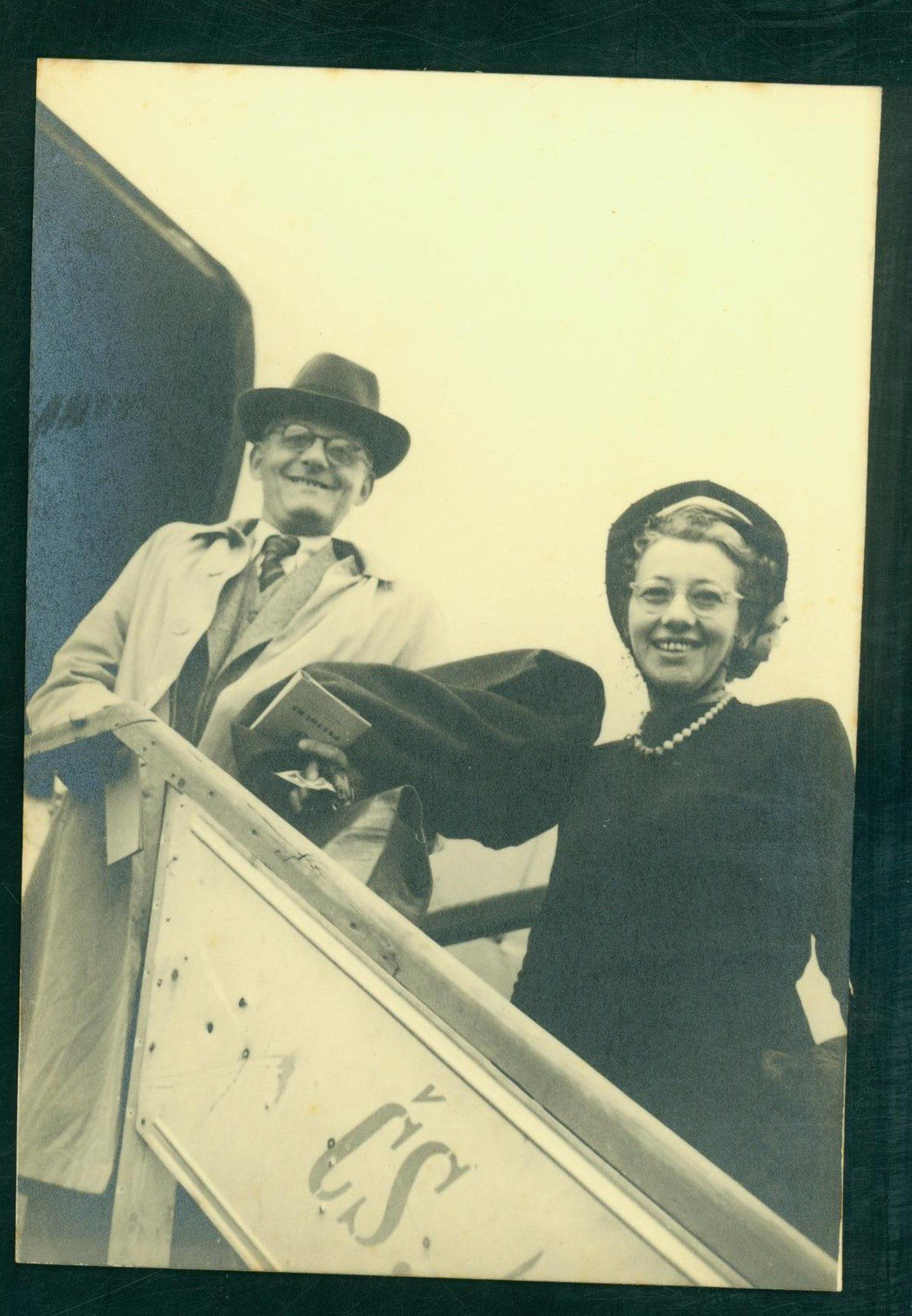 Max Broad and Esther Hoffe.