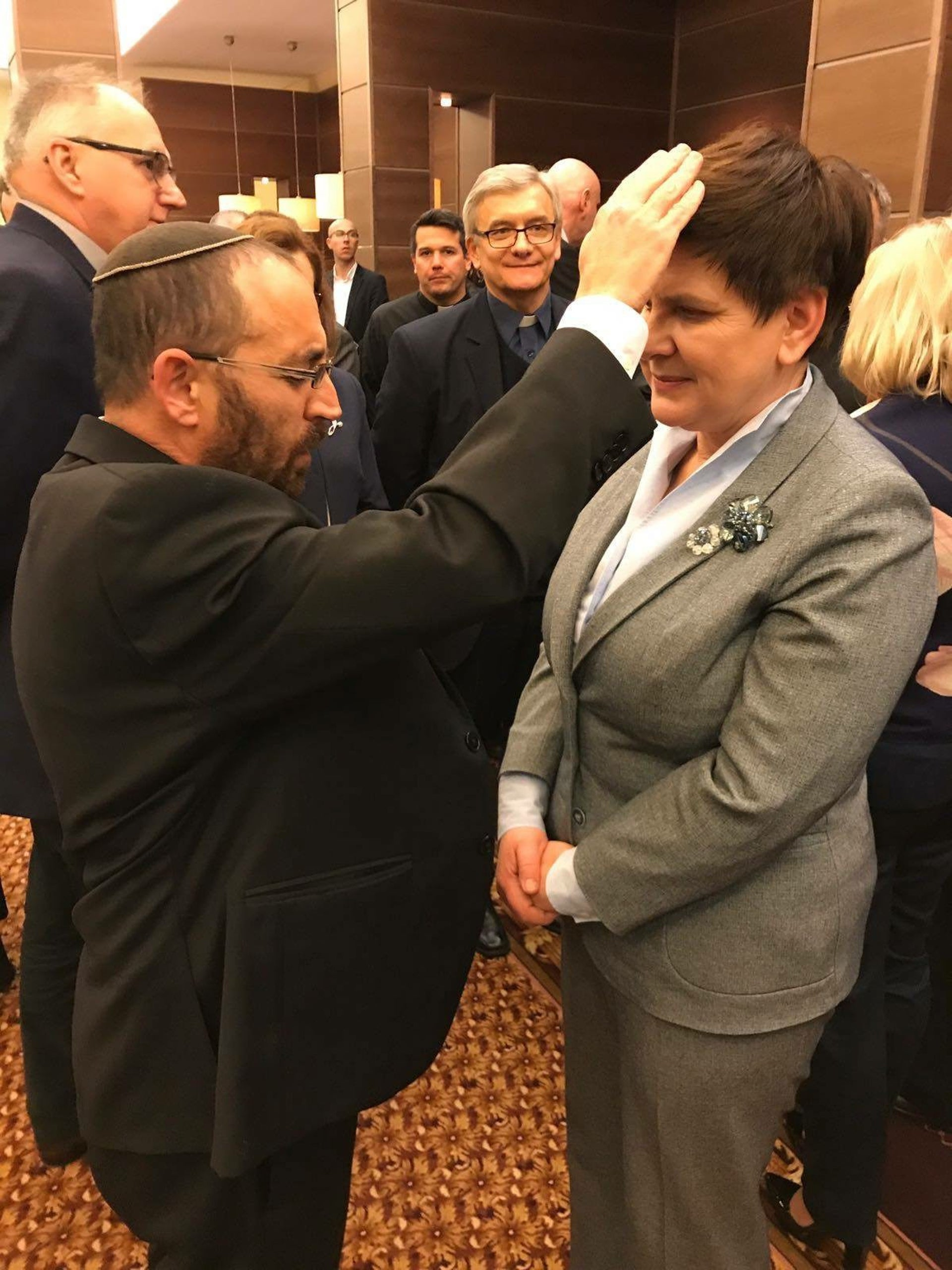 Rabbi Rafi Ostroff and Polish Prime Minister Beata Szydło, at a ceremony in Torun, Poland, in November 2017.