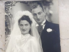 Mimi Dwinger and Barend Boers on their wedding day, 18.4.1939.