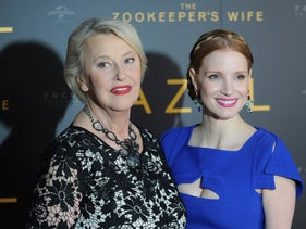 """Jessica Chastain, right, posing with Teresa Zabinska, the daughter of Antonina Zabinska, at a gala screening of """"The Zookeeper's Wife"""" in Warsaw, Poland, March 7, 2017."""