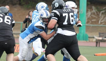 Be'er Sheva Black Swarm on the offensive against Tel Aviv Pioneers. The Pioneers eventually triumphed 68-40.