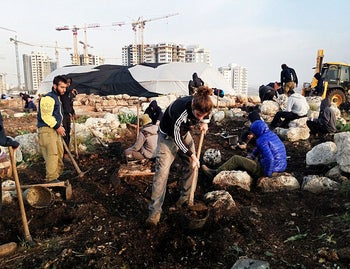 Students of the Gal Academy for Leadership help excavate the 2,700-year old farmhouse found by Rosh HaAyin, as part of the State of Israel's efforts to get the younger generation interested in archaeology and heritage.