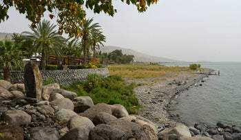A restaurant in Ein Gev on the shore of the Sea of Galilee. The court demanded that the kibbutz remove structures near the beaches, including part of the restaurant.