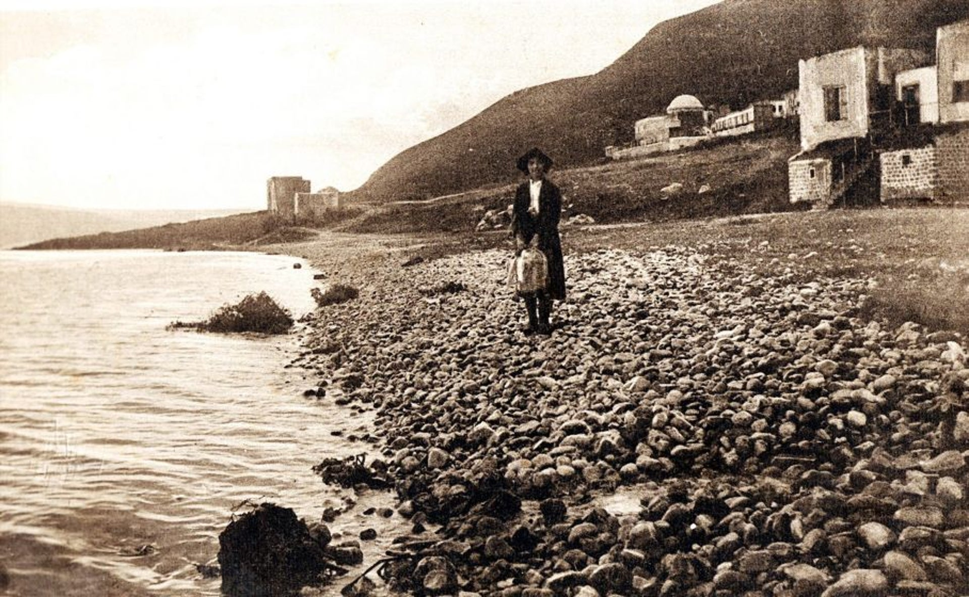 The Kinneret coast at Galilee in a postcard from the early 20th century.