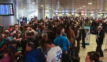 Long lines in Ben Gurion Airport