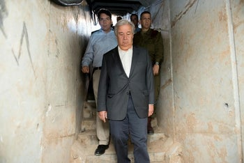 UN Secretary General Antonio Guterres inside Hamas tunnels accompanied by Israeli ambassador to the United Nations on August 30, 2017.