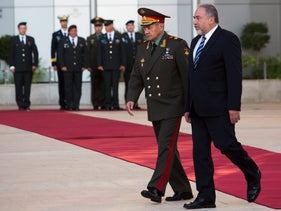 Defense Minister Avigdor Lieberman and Russian Defense Minister Sergei Shoygu at the official welcoming ceremony, the Kirya, Tel Aviv, Oct 16, 2017.