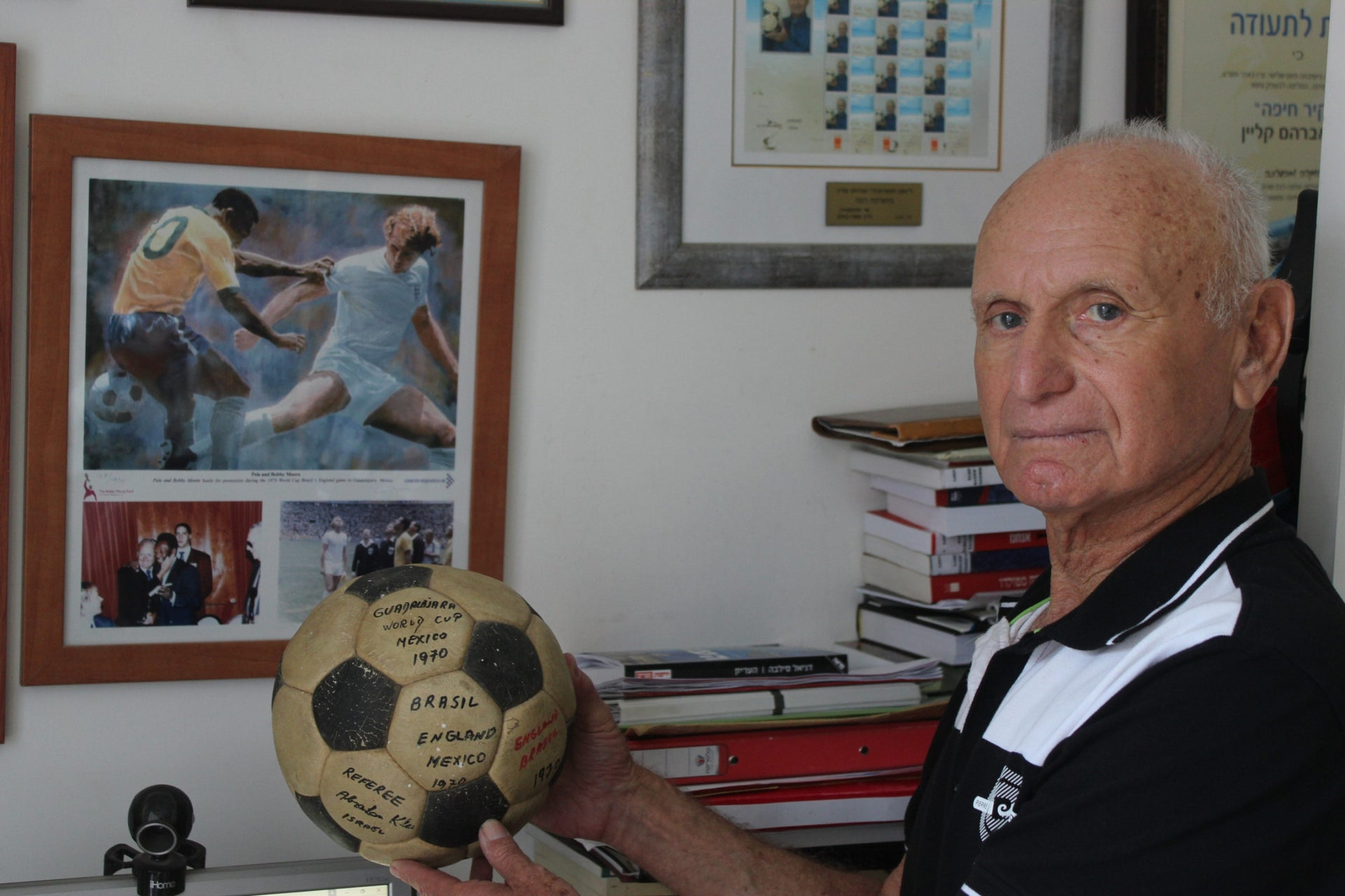 Abraham Klein with a ball from the 1970 World Cup in Mexico, Haifa, March 2016.