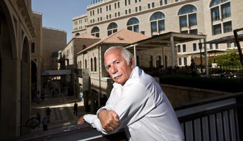 Moshe Safdie outside the Mamila project in Jerusalem.