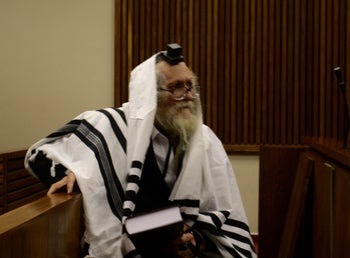 Rabbi Eliezer Berland, who is wanted for sex crimes in Israel, appears before the Randburg magistrate's court, South Africa, April 20, 2016.