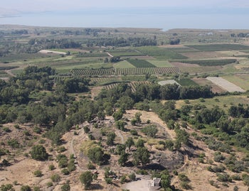 Drone photo showing the site of Bethsaida today, in the Golan Heights, rather farther from the Sea of Galiee (observable at the top of the picture) than it had been 2,700 years ago.