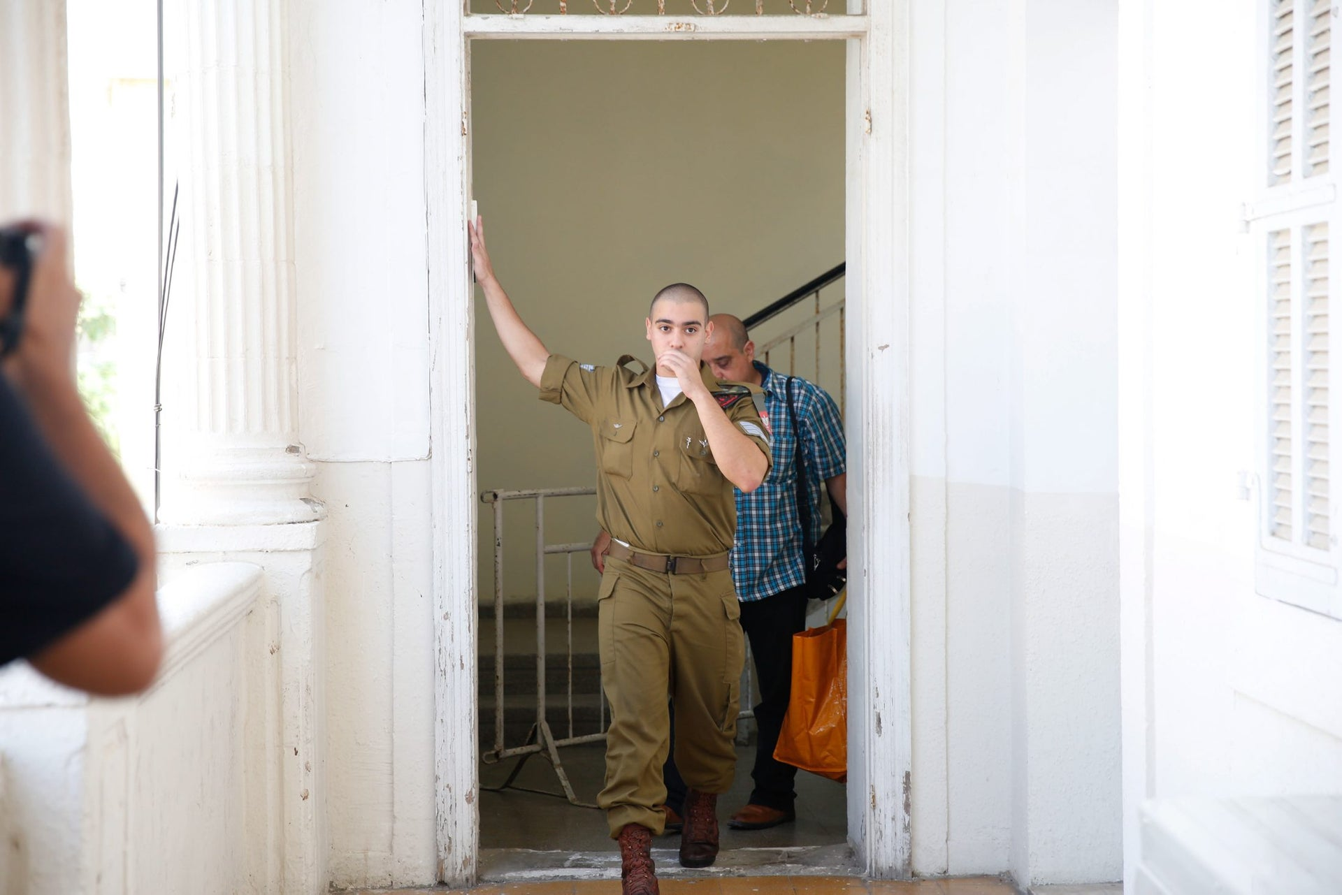 Elor Azaria at the entrance to Jaffa's military court.