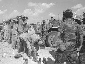 Egyptian POWs in 1967 in Al Arish.