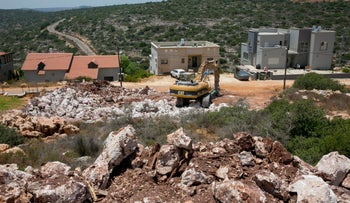 Construction at the illegal outpost of Alonei Shilo.