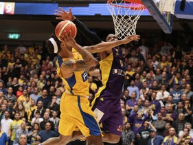 Maccabi Tel Aviv (in yellow) in action against Hapoel Holon, March 2017.