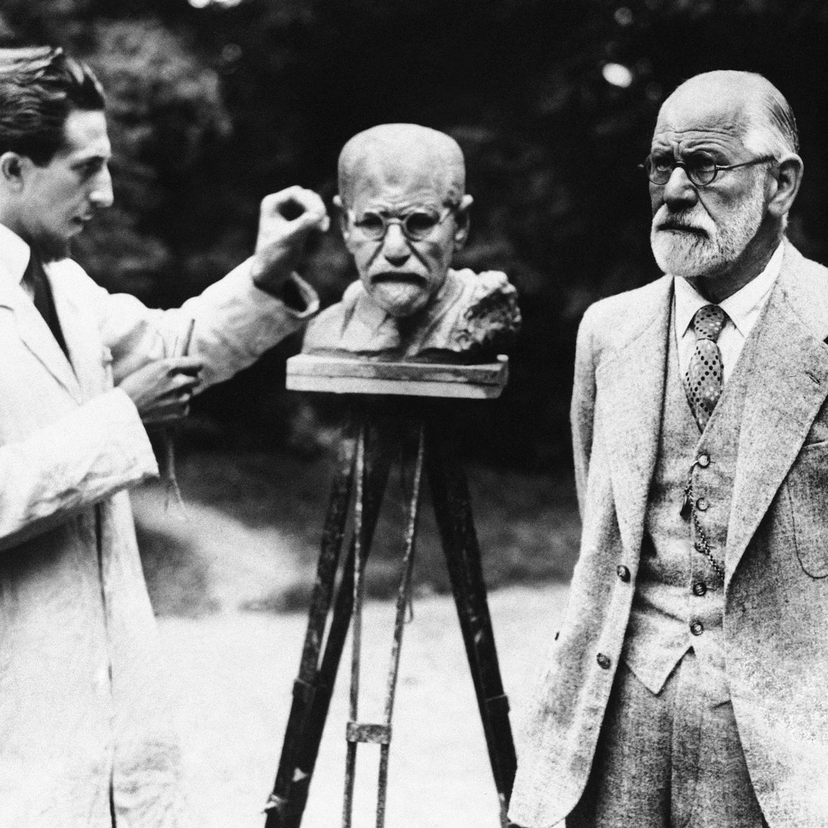 Sigmund Freud as he poses for sculptor Oscar Nemon in Vienna, 1931.