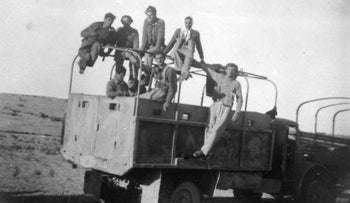 The fighters of the Negev Brigade. Palmach archives