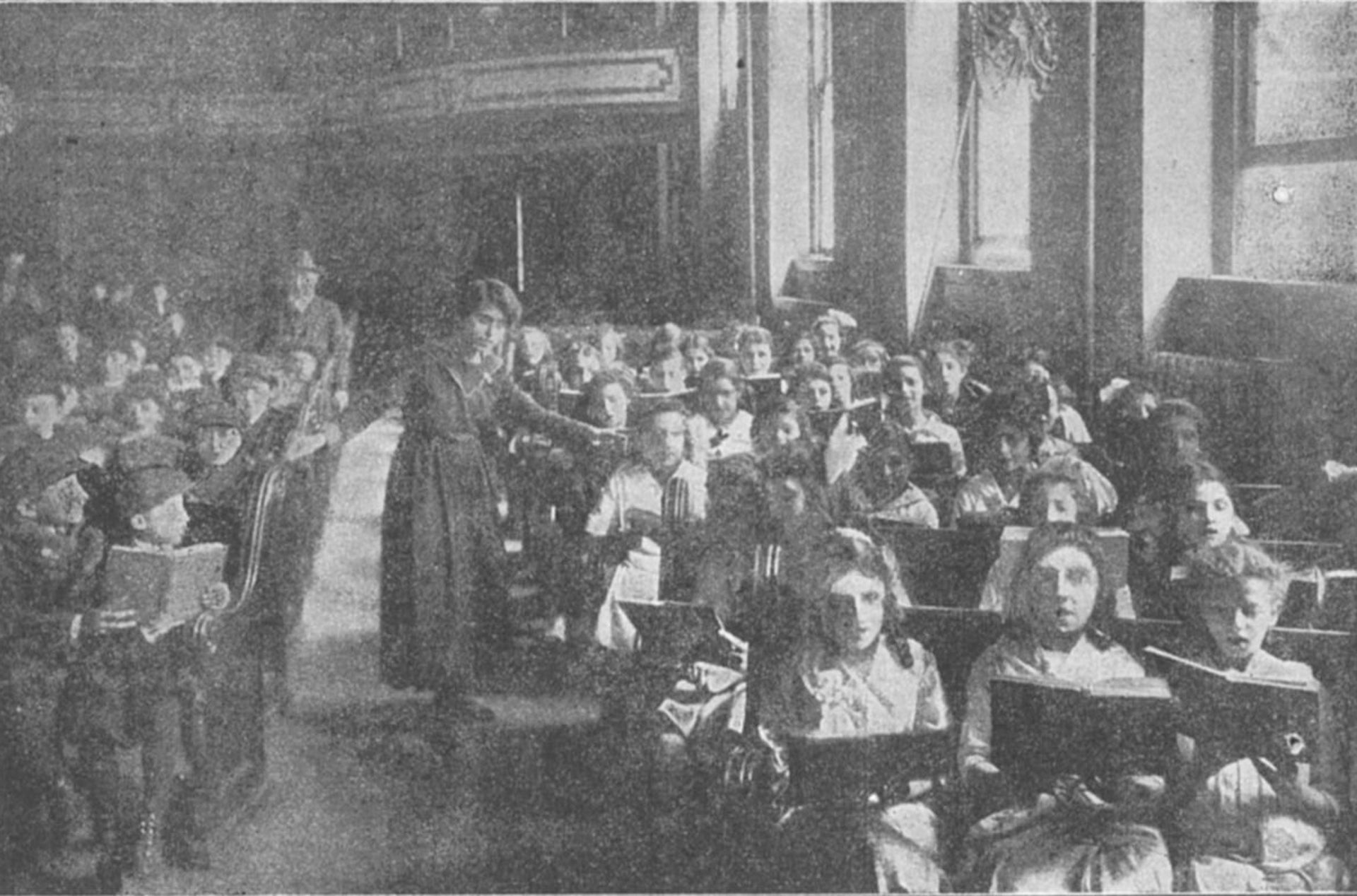 Jeffrey Gurock: Students at the Uptown Talmud Torah, circa 1917 (The Jewish Communal Register of New York City, 1917-1918).