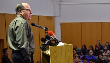 Defense Minister Ya'alon speaking to high-school students in the upper Galilee.