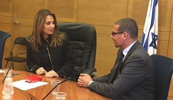 MK Yifat Shasha-Biton (Kulanu) and Manny Waks at a Knesset pre-hearing on child sex abuse in Jewish communities, Jerusalem, March 21, 2016.