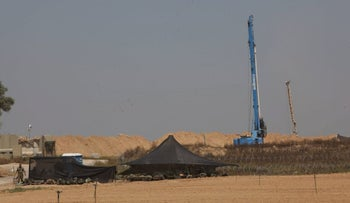 IDF forces near the area where a Hamas tunnel was discovered, on April 18, 2016.
