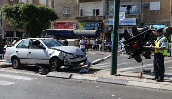 A Netanya road accident: Back on the road in no time.