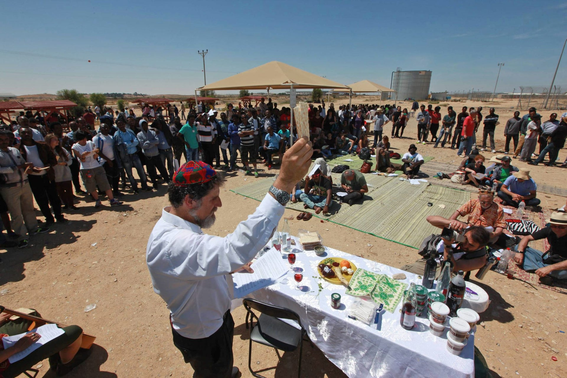 Rabbi Arik Ascherman, the president of Rabbis for Human Rights, at the Passover seder held at the Holot detention facility, April 15, 2016.