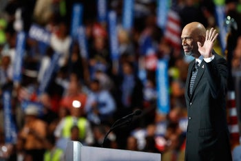 Retired professional basketball player Kareem Abdul-Jabbar delivers remarks on the fourth day of the Democratic National Convention, July 28, 2016 in Philadelphia, Pennsylvania.