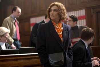 Weisz alone as Lipstadt