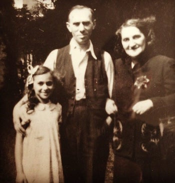 Lea with her parents, Helene and Isidore Goldstain